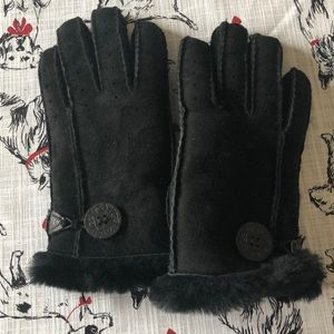New! Ugg Gloves Black Botton medium